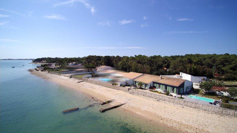 Villa La Flotte en R� (ref=3767)